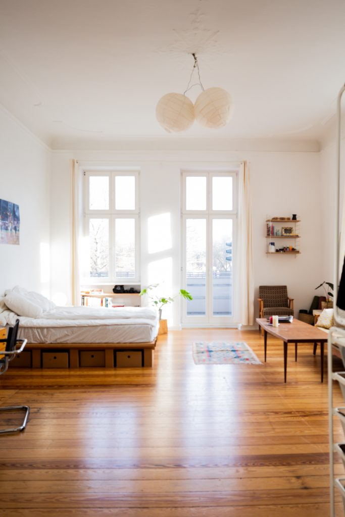 beazy ABohRftG Os unsplash 683x1024 - Making The Best Out Of Your Small Condo